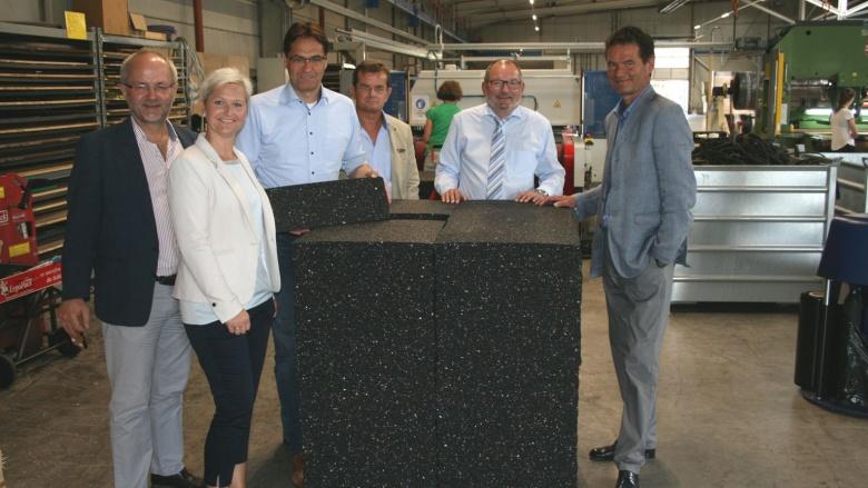 [von links: Volkmar Klein (Bundestag), Anke Fuchs-Dreisbach (Landtag), Dr. Peter Liese (Europa), Georg Freitag (CDU-Stadtverbandsvorsitzender), Ulf und Rainer Pöppel (Geschäftsführer BSW)] (Foto: Europabüro)